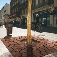 LAND grille d'arbre PMR carrée acier corten inox - Metalco mobilier urbain design