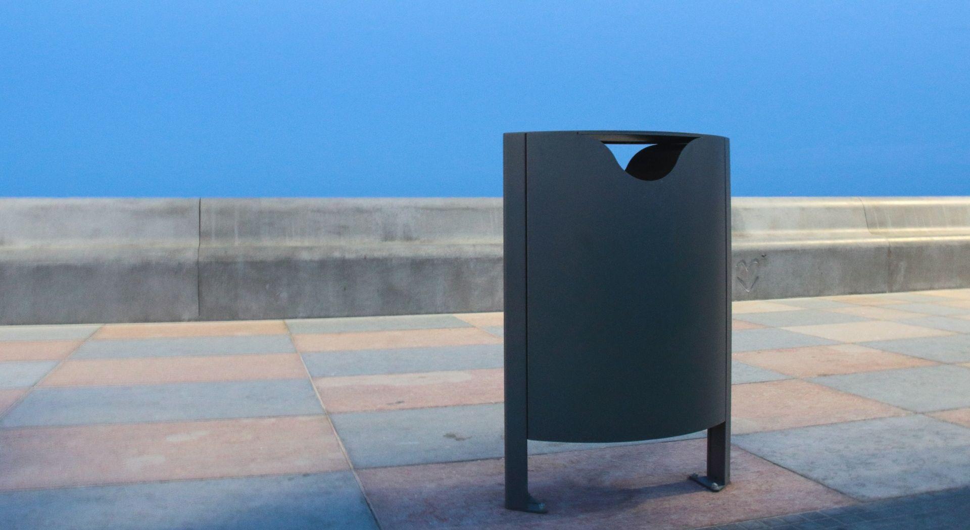 LANCILLOTTO Corbeille Urbaine, Mobilier Urbain Design acier corten inox cendrier Mobilier de Collectivité Centres Commerciaux Fabricant METALCO