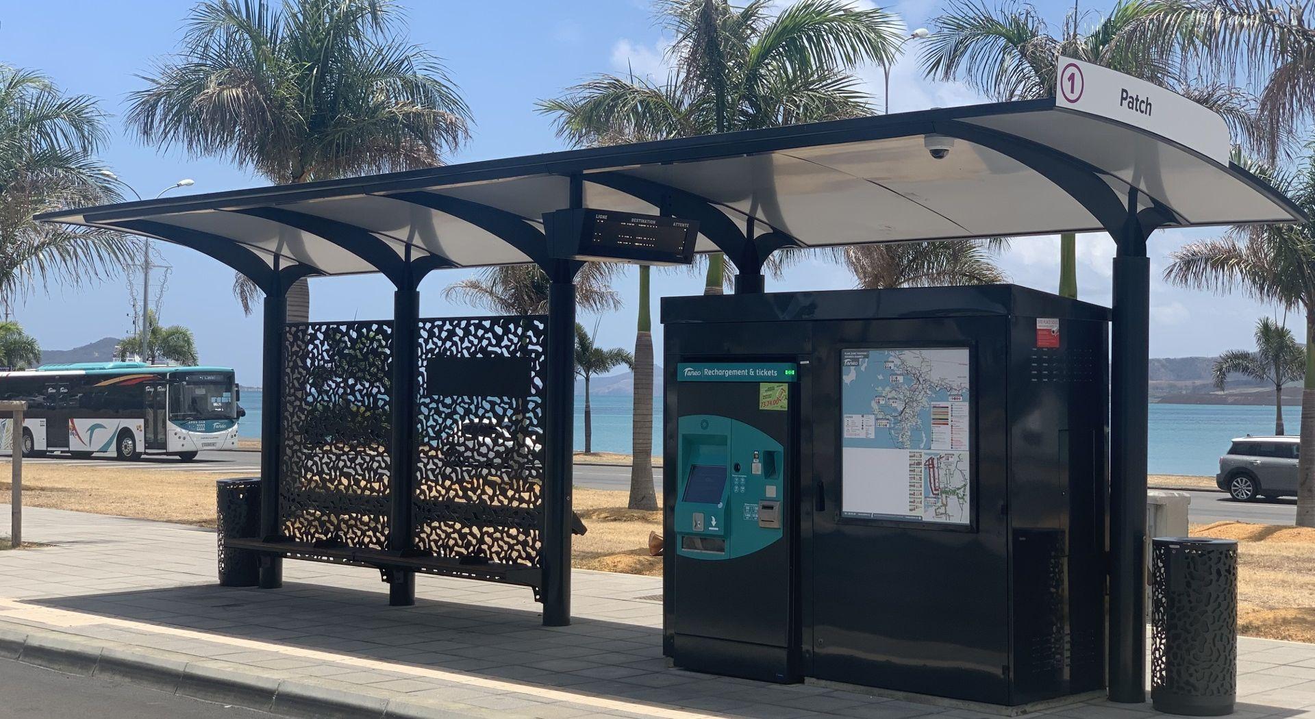 Abris voyageurs METALCO développés spécialement pour la 1ère ligne BHNS de Nouméa