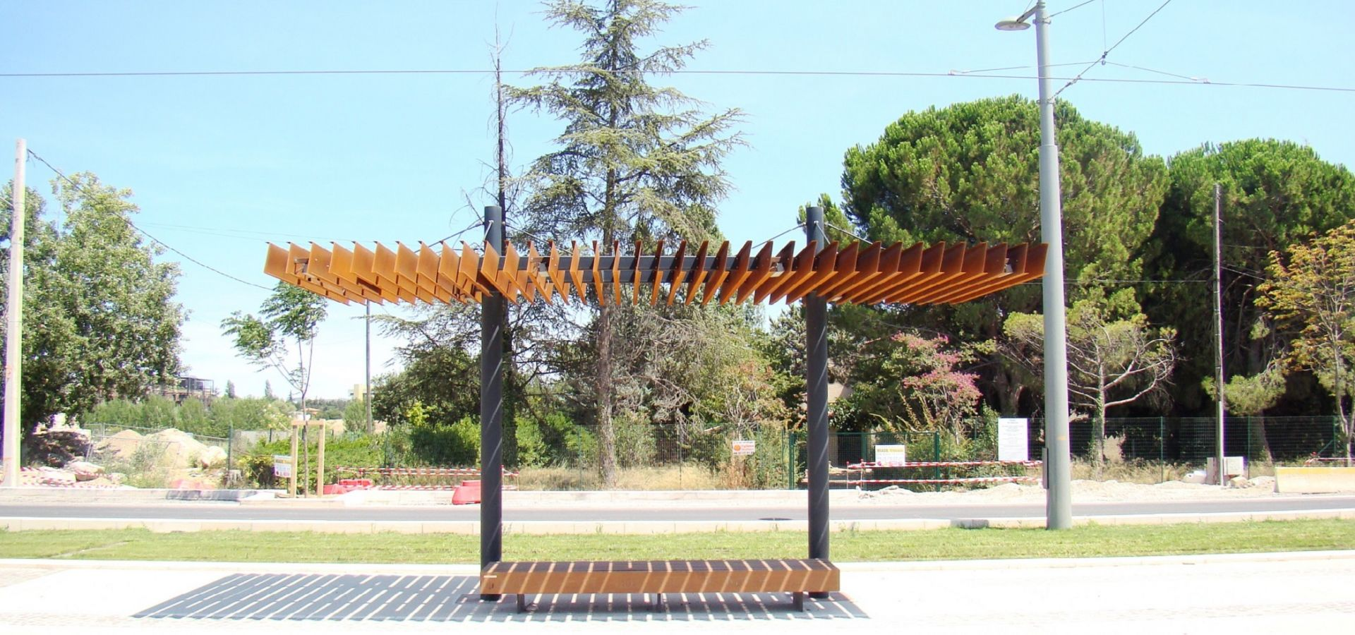 mobilier urbain metalco ombrieres acier corten montpellier metalco mobilconcepts