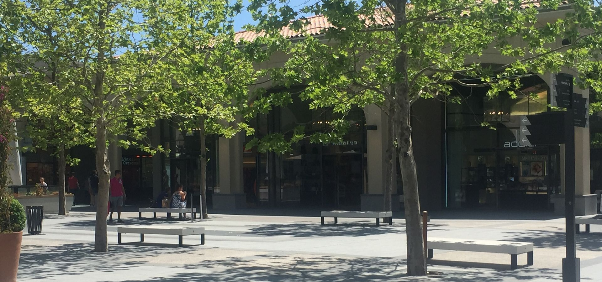 banc Metalco DIAMANTE et GIADA Centre commercial Cagnes Riviera