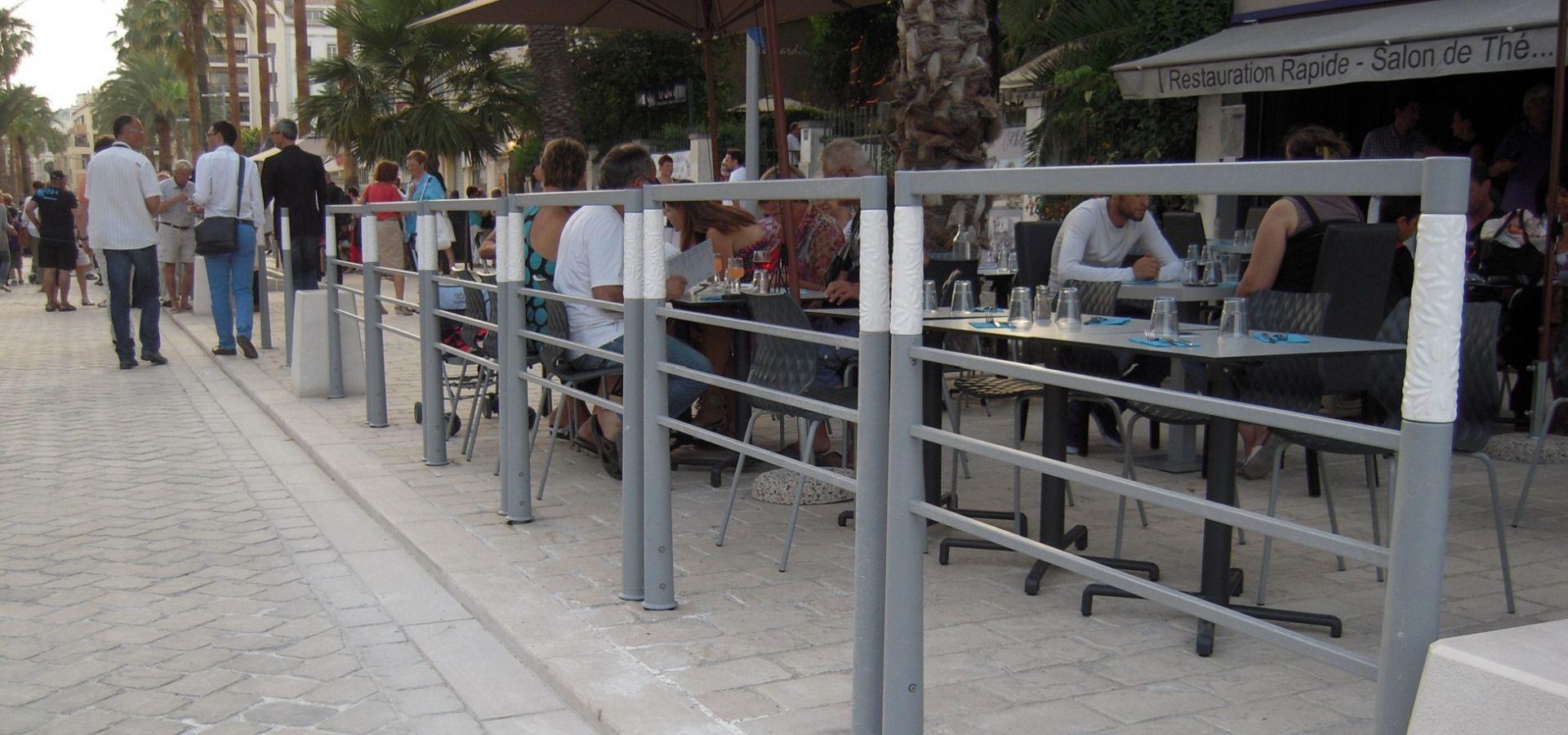 Hyeres-les-Palmiers-mobilier-urbain-METALCO-barriere-SITA