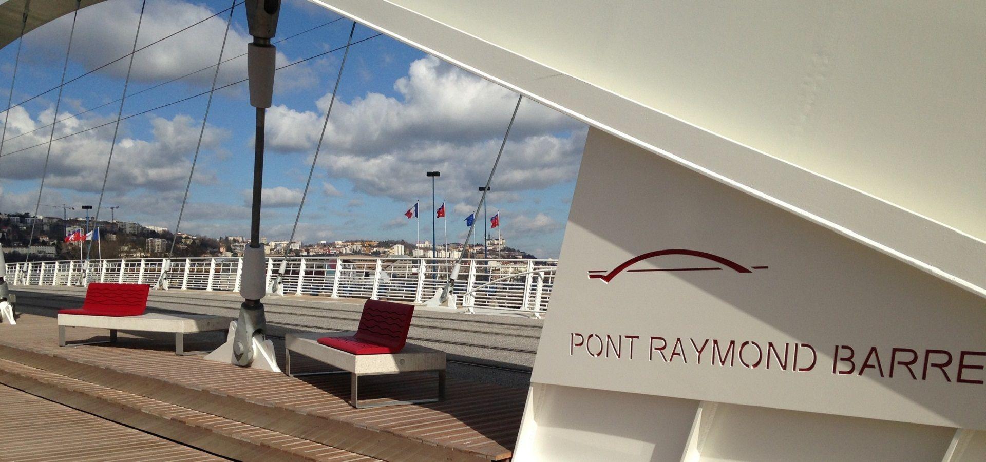 lyon-pont-raymond-barre-banc-béton-chaise-longue-metalco-rivola-diamante