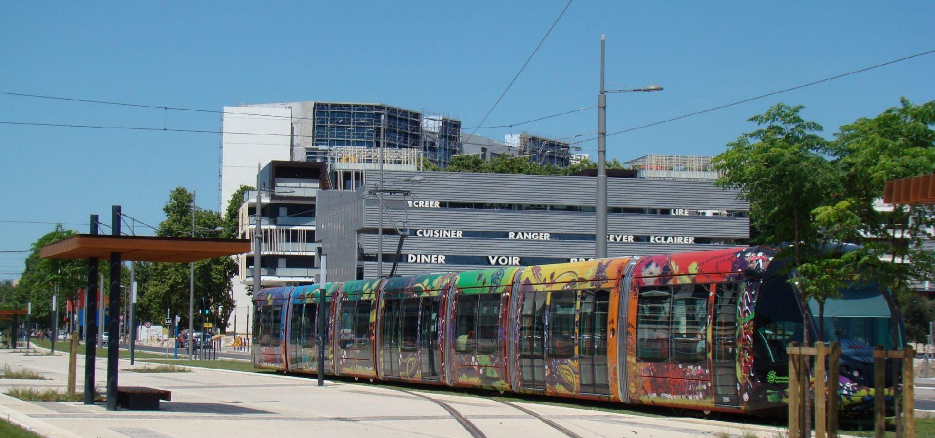 OMBRIERES acier corten METALCO MOBILCONCEPTS abris de stations Ligne Tramway Montpellier