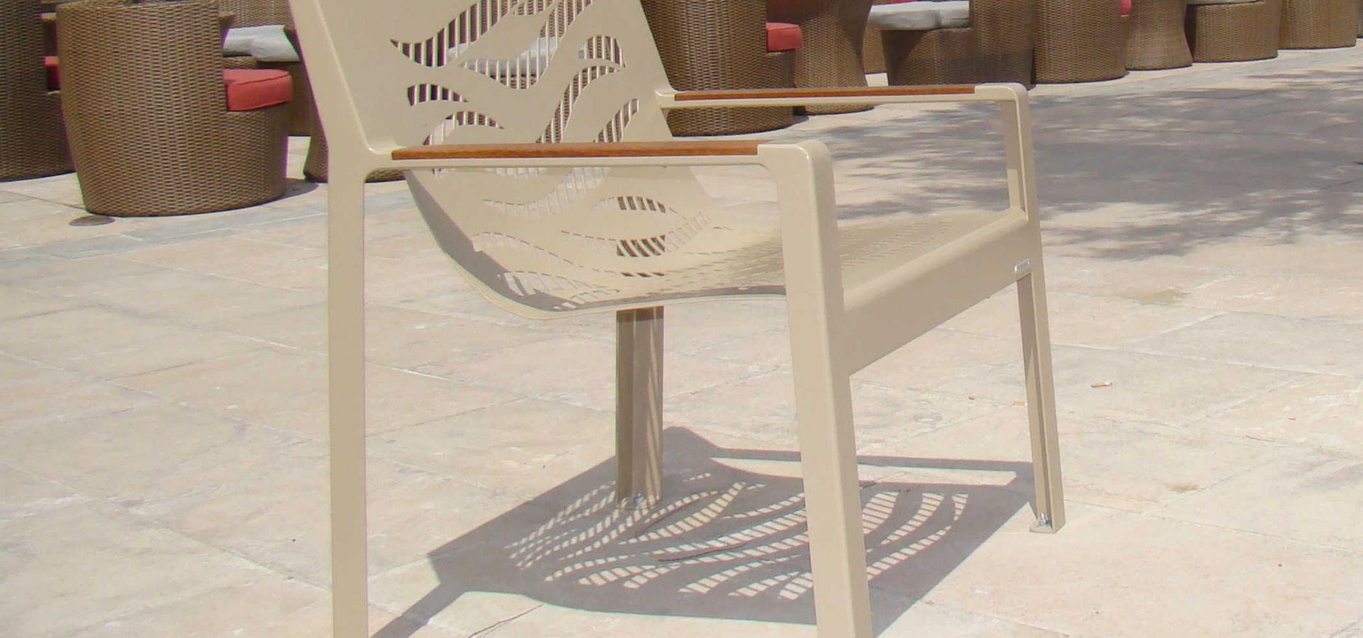 France-Grau-D'Agde-front-de-mer-mobilier-urbain-design-ombrière-Metalco