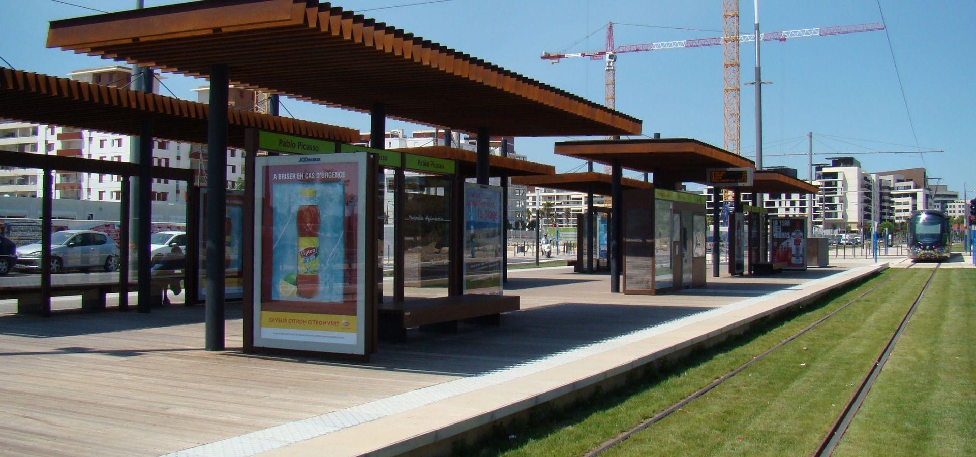 METALCO Fabricant d'abris voyageurs spécifiques, stations tramway, lignes BHNS, mobilier de quai