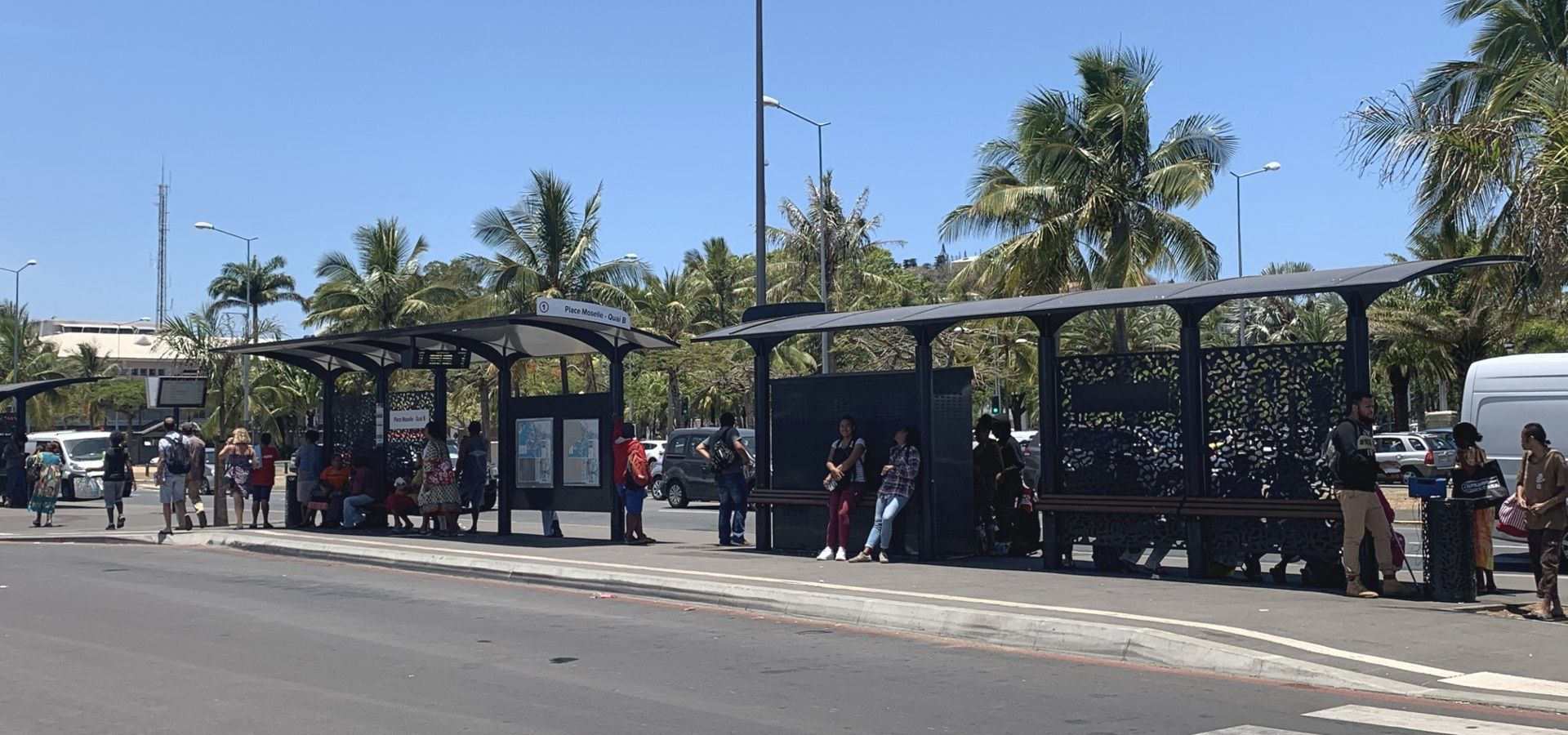 Abri Bus Design BHNS NOUMEA - Fabricant METALCO Mobilier Urbain Collectivité