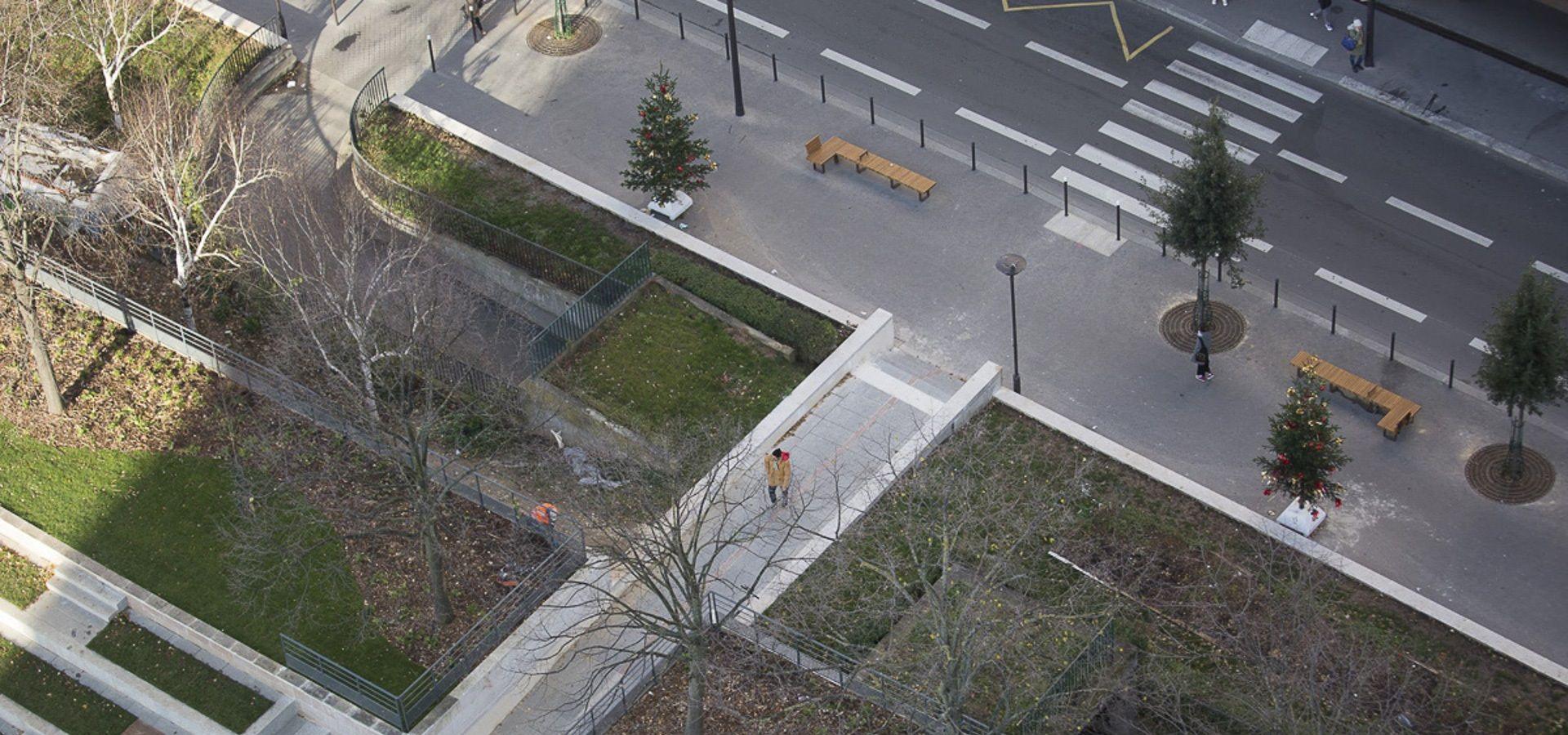 PARIS place des Fêtes, Banc banquette bois COBRA de METALCO Design élégant, Banc public Modulaire (1)